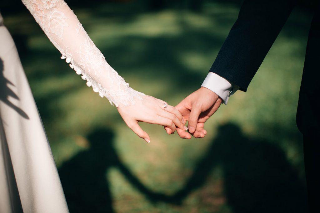 Qualidade em serviços fotográficos para casamentos.