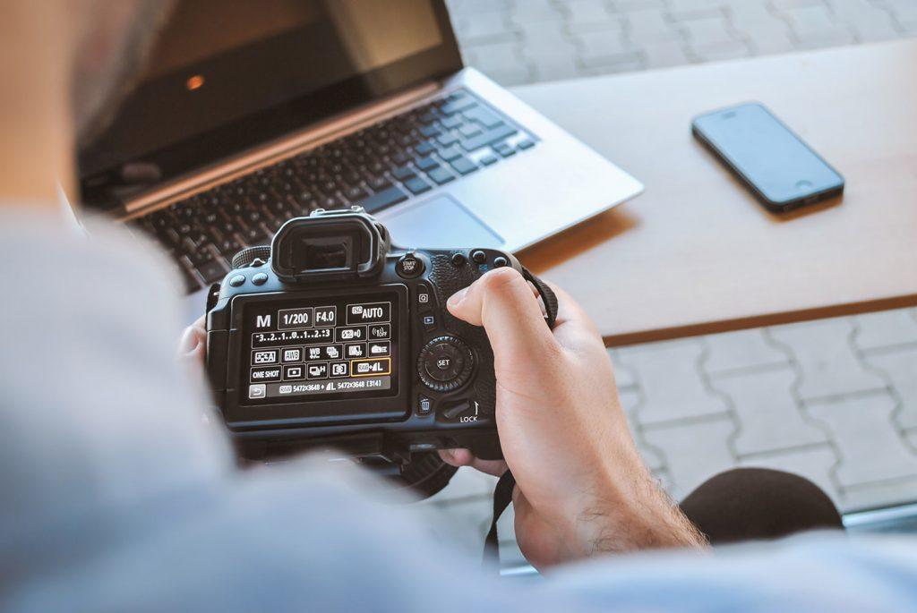 A valorização do serviço profissional do fotógrafo.